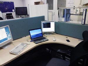 研究室の机