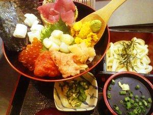 彩り七種の海鮮丼